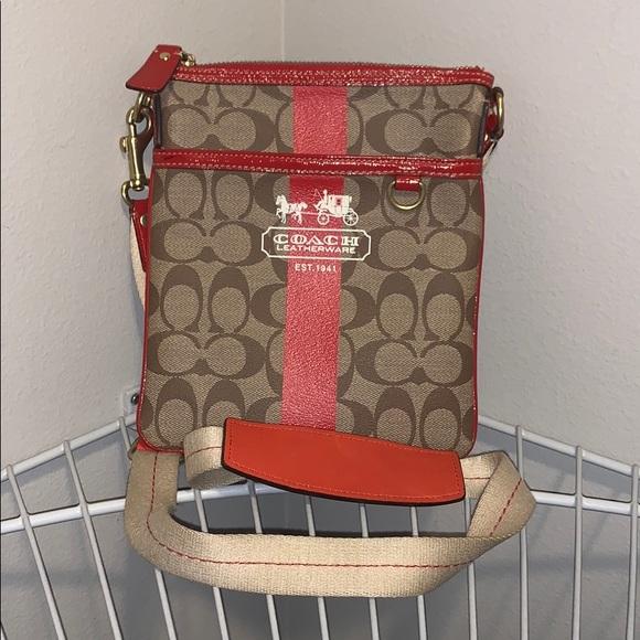 Coach Handbags - NWOT Coach 2007 Messenger Bag